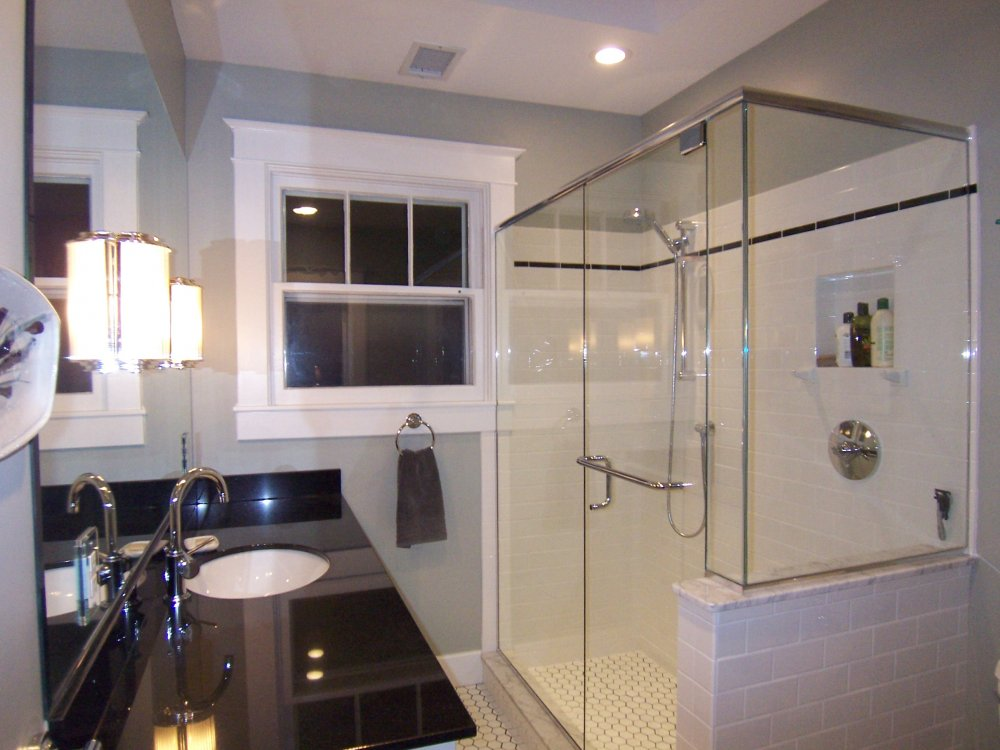 Bathroom renovations ideas small bathroom shower tile for Small full bathroom designs